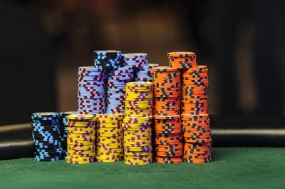 Poker tournament strategy - stack size
